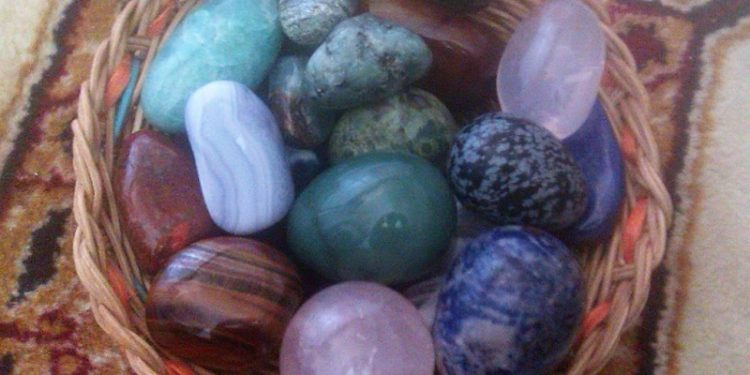 Opora po porodu: kameny pro šestinedělí